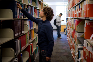 Student in OSU's Valley Library